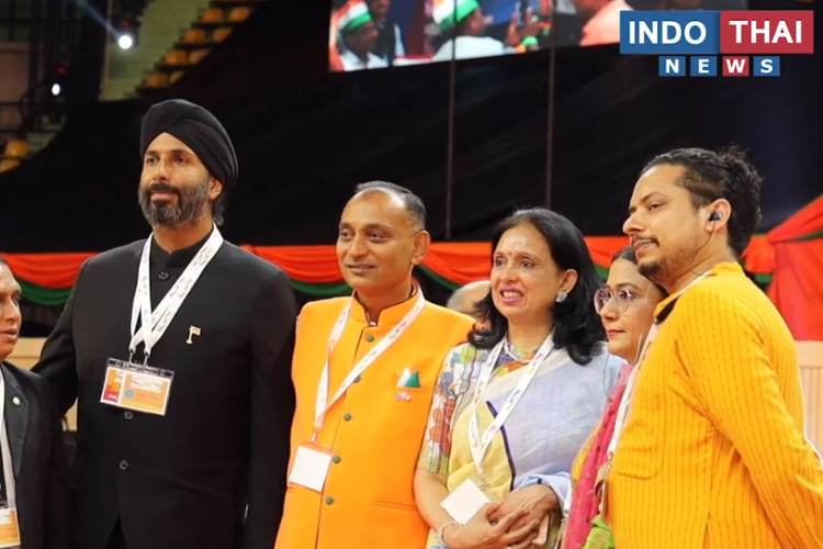 'Sawasdee PM Modi': Indian Diaspora Bangkok Welcomes PM Modi
