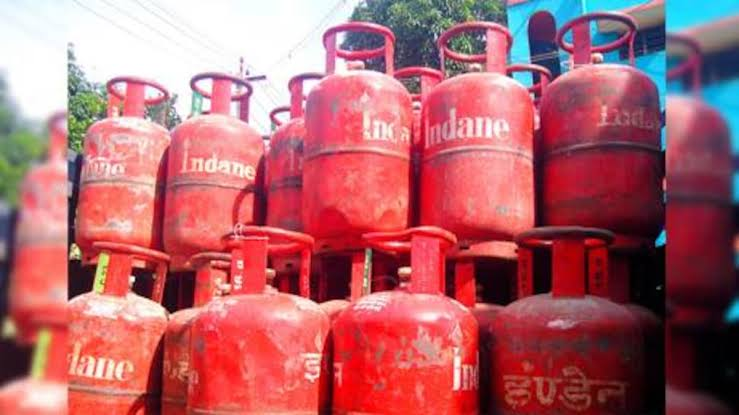 Inflation on LPG cylinders, increased prices by Rs 25
